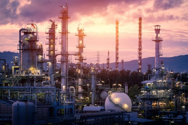 bigstock-Gas-Refinery-Plant-On-Sunset-S-252424762 (1)